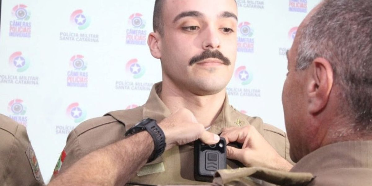 Secretário de Administração participa da entrega de câmeras individuais a policiais militares do Estado