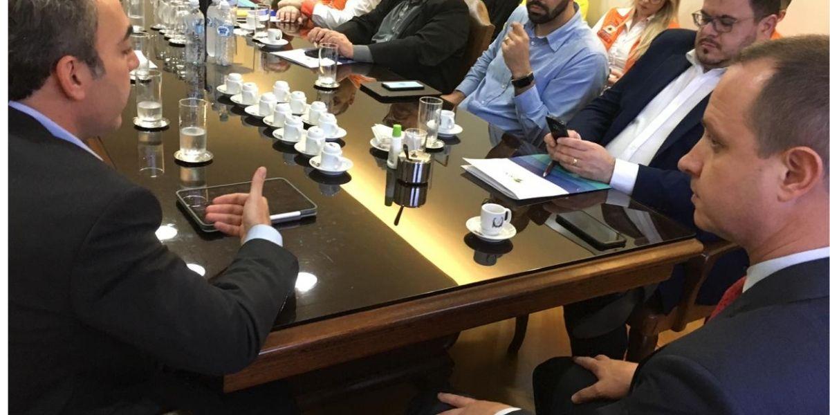 Gestão de bens da União em Santa Catarina foi tema de reunião na Secretaria da Administração