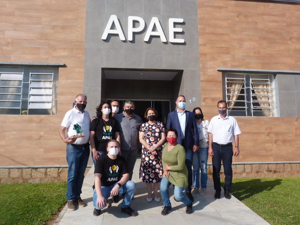 Investimento: FCEE autoriza mais de um milhão à APAE de Tijucas